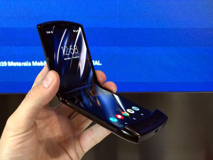 Tak się składa, że Motorola razr ma składany ekran