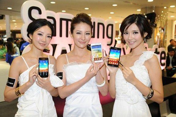 Hostessy Samsunga | fot. slashgear.com