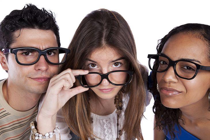 3 studentów