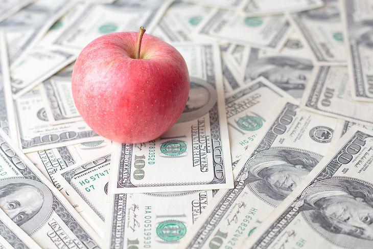 Apple on dollar bills