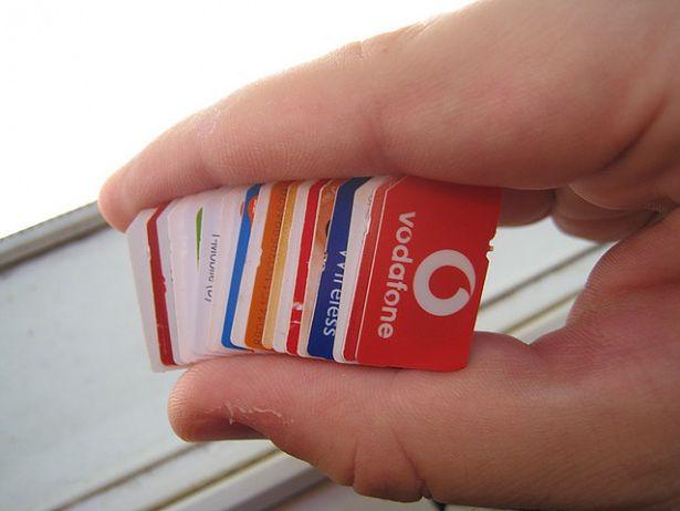 Pewien Indyjczyk posiadał ok. 100 tys. kart SIM   Flickr