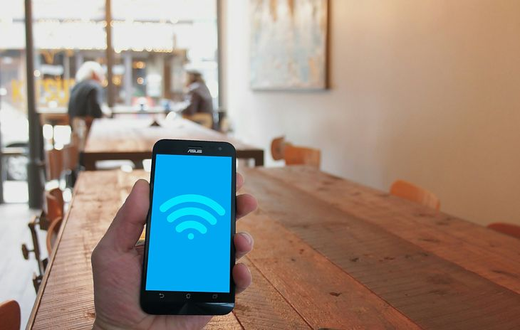 Korzystanie z sieci Wi-Fi
