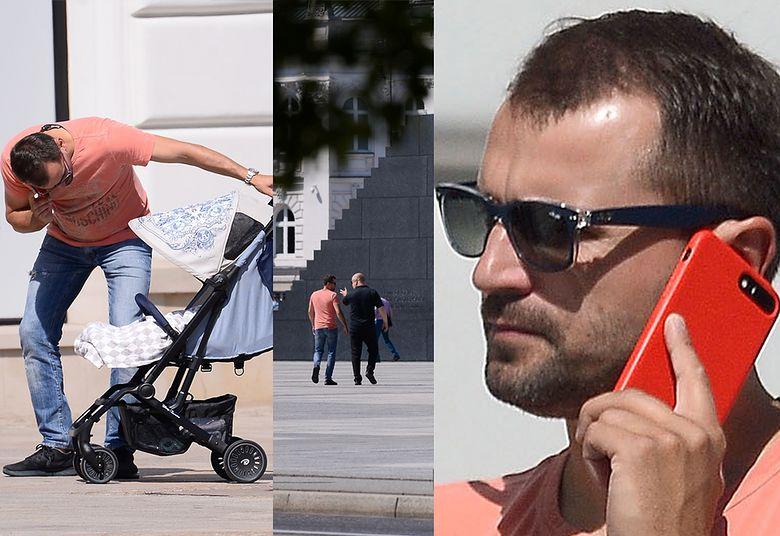 2Dubieniecki na spacerze z synem