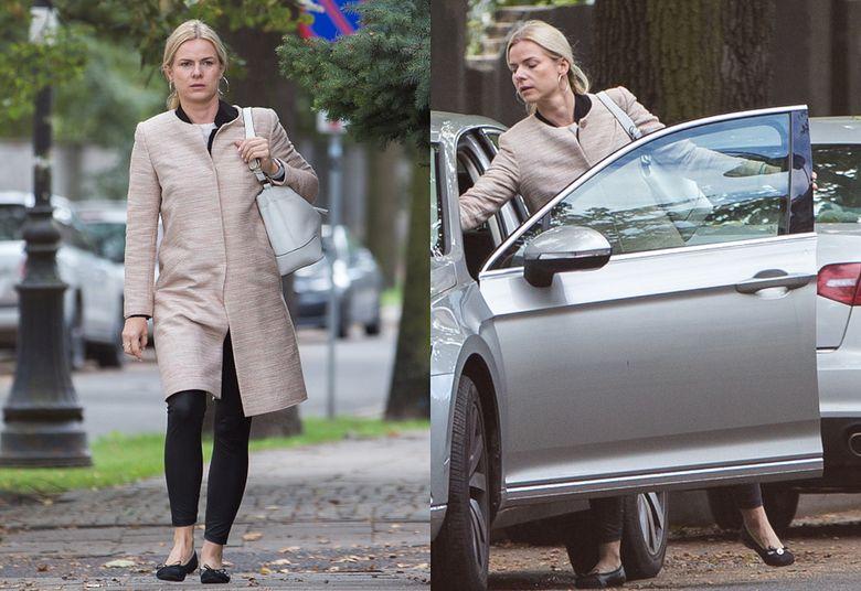 2Joanna Schmidt pędzi z Ryszardem Petru po ulicach Warszawy przejeżdżając na czerwonym