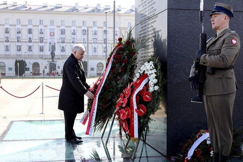 Obchody 10. rocznicy katastrofy Smoleńskiej w cieniu epidemii koronawirusa w Polsce.