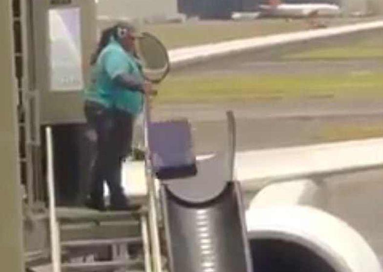 Nagranie jest hitem sieci. Zobacz, dlaczego twoja walizka po locie zawsze wygląda tragicznie