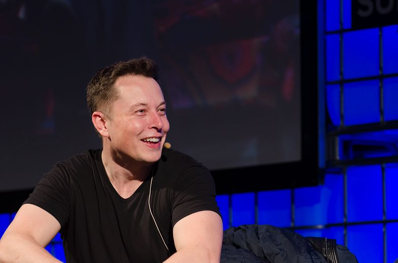 Elon Musk zyskał na wzroście cen akcji Tesli.