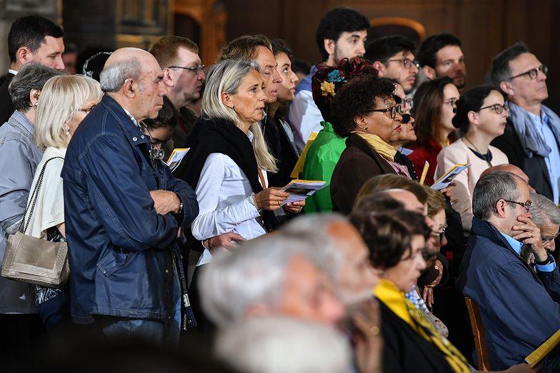 Przez zignorowanie publicznych zaleceń, 2500 wiernych ma koronawirusa