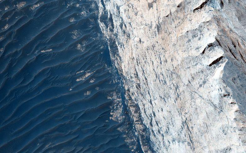 Woda na Marsie nie jest nowym odkryciem, ale najnowsze dane zaskoczyły naukowców