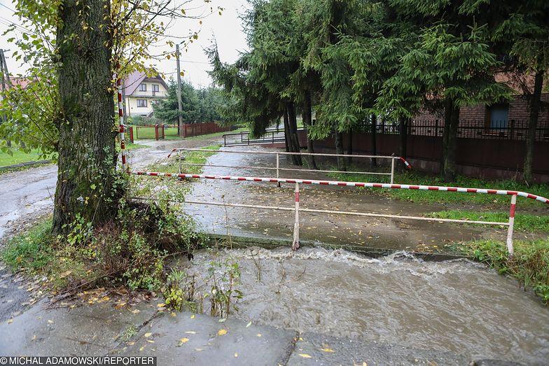 Ulewne deszcze na Śląsku spowodowały wzrost poziomu wód w wielu rzekach i strumieniach