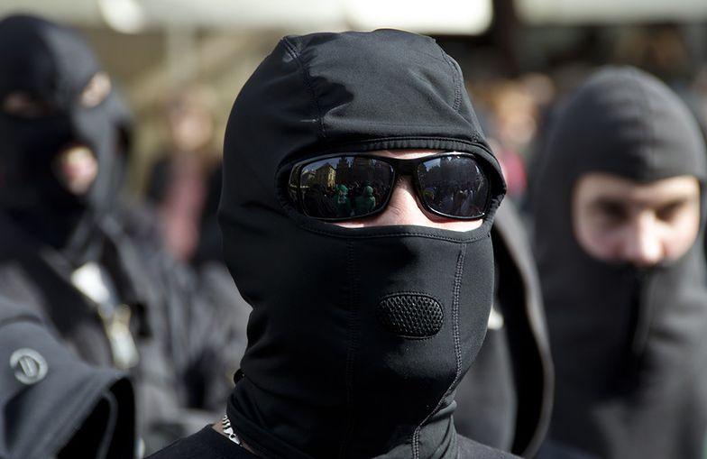 """Prawicowe patrole """"chronią"""" Finów przed muzułmanami"""
