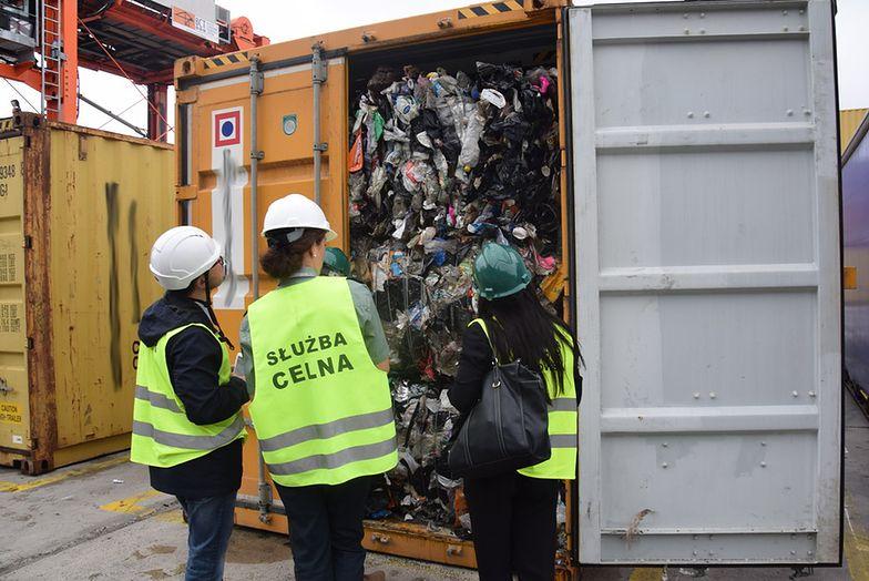 Tysiąc ton śmieci przypłynęło do Polski z Wielkiej Brytanii
