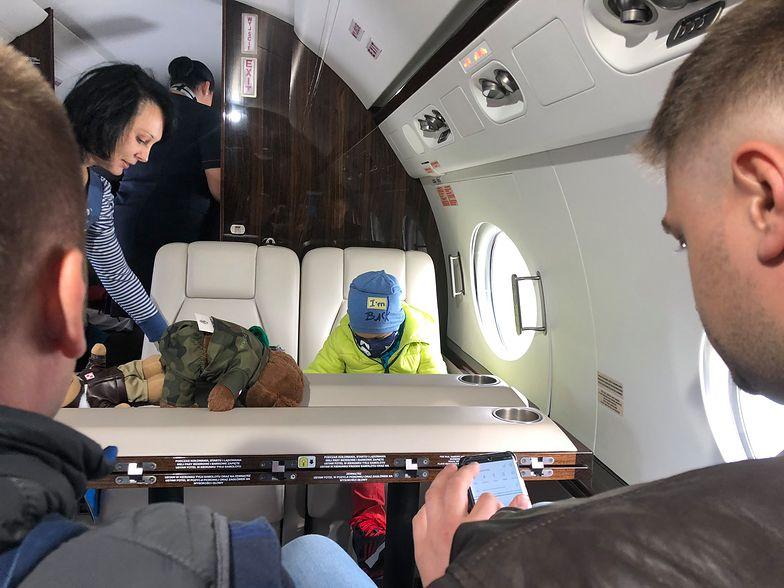 Samolot MON przewiózł Filipa do Bostonu. Chłopca czeka poważna operacja serca