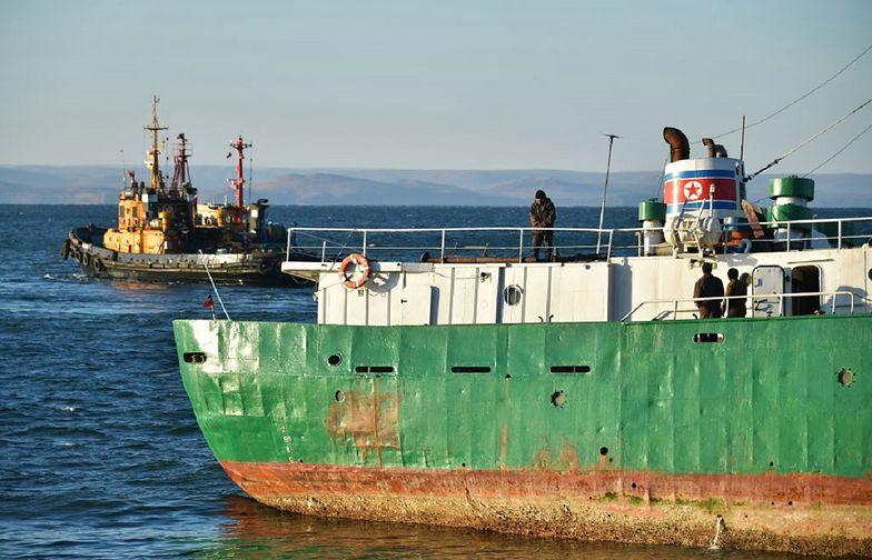 Dwóch rybaków z Korei Północnej zabiło 16 członków załogi.