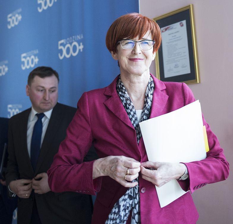 Elżbieta Rafalska musi szybko wymyślić, jak przelać Polakom miliardy złotych za Rodzinę 500 plus