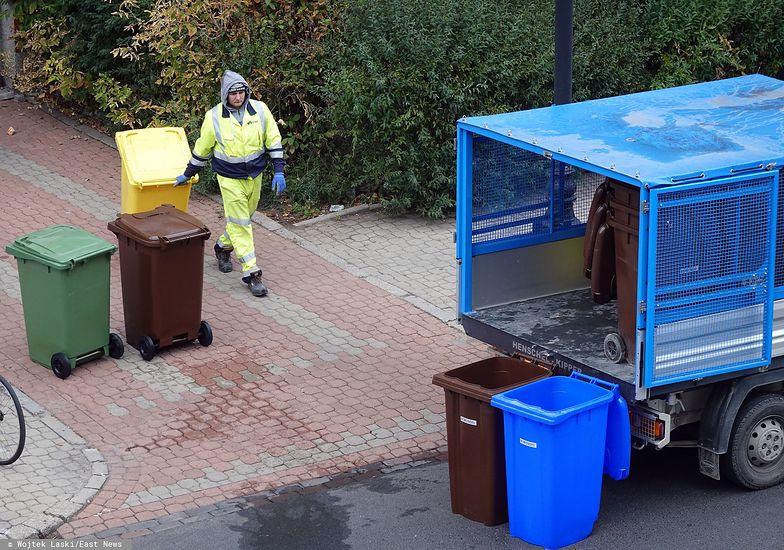 Warszawa. W 2020 r. średnia podwyżka za wywóz śmieci wyniesie 300 proc.