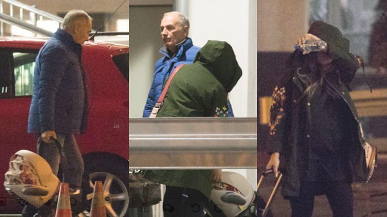 72-letni Karol Strasburger poznaje uroki rodzicielstwa, odbierając córeczkę Laurę i młodą małżonkę ze szpitala (ZDJĘCIA)