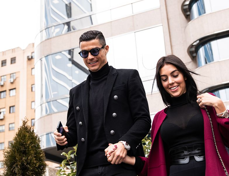 MADRID, SPAIN - 2019/01/22: Portuguese soccer player Cristiano Ronaldo leaves from the provincial court of Madrid with his girlfriend Georgina Rodriguez from his tax evasion trial. (Photo by Jesus Hellin/SOPA Images/LightRocket via Getty Images)