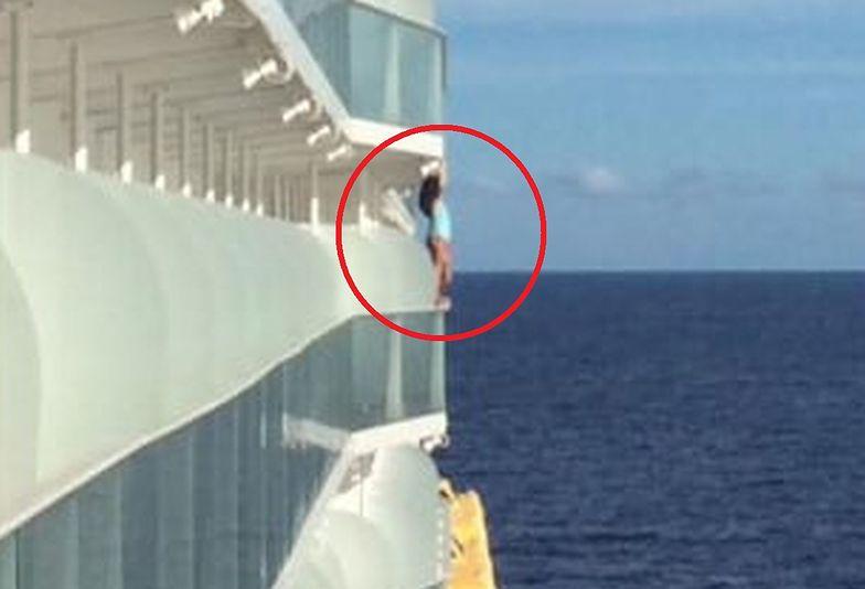 zdjęcie kobieta statek