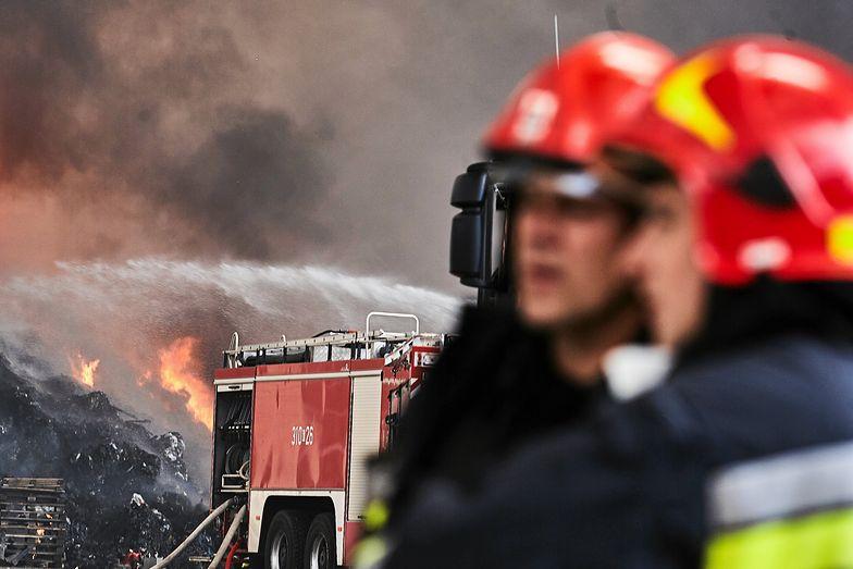 Pożar składowiska toksycznych odpadów w Zgierzu