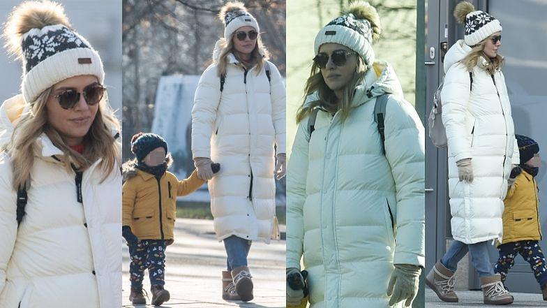 Opatulona Marta Żmuda Trzebiatowska na zimowym spacerze z synem (ZDJĘCIA)