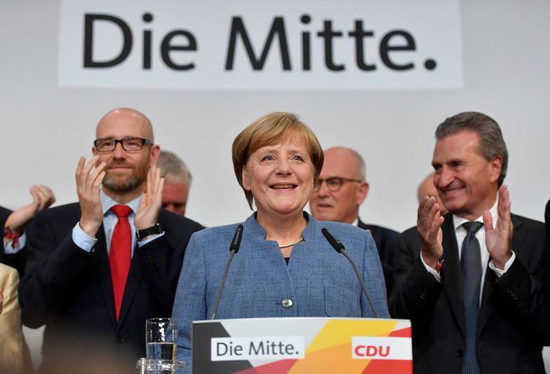 Angela Merkel cieszy się z wygranej