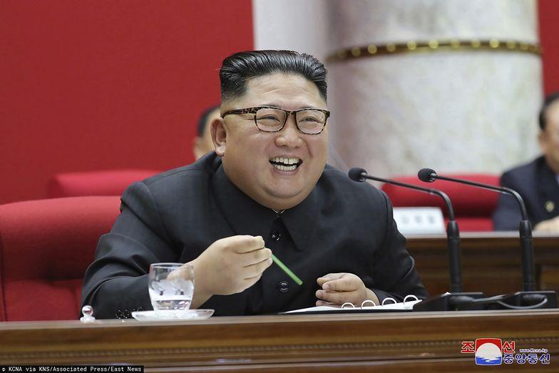 Korea Północna. Kim Dzong Un nie miał litości. Wysłał studentów do ciężkich robót