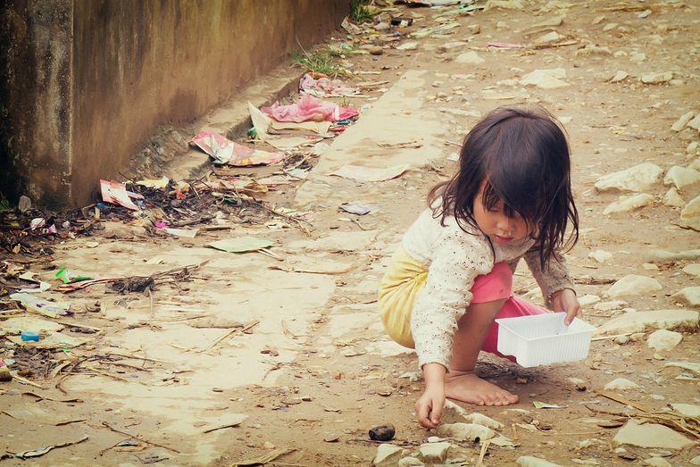 Bieda na świecie. Pięć faktów z raportu Oxfam, obok których trudno przejść obojętnie