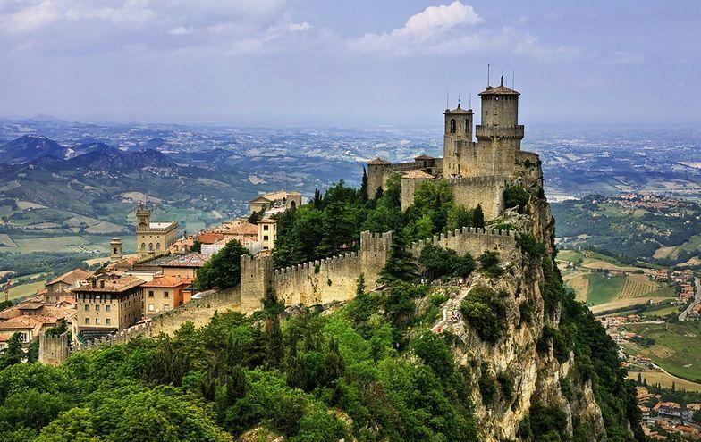 San Marino uważane jest za najstarszą republikę świata, utworzoną w 301 r. przez chrześcijańskiego budowniczego, zwanego św. Marinusem
