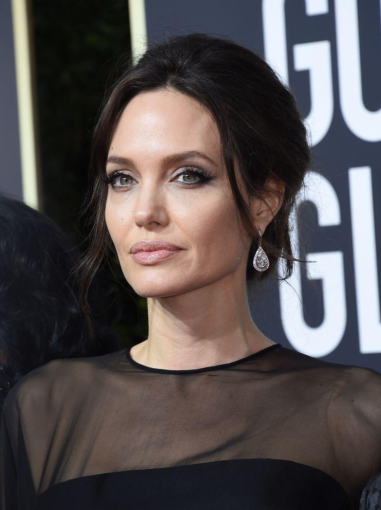 Jolie nie czuje się komfortowo w nowej sytuacji