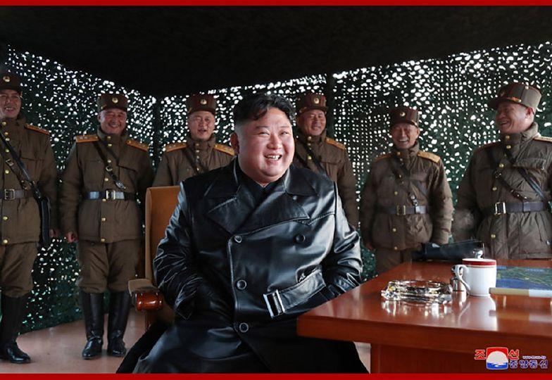 """Korea Północna. Kim Dzong Un ogłosił """"genialny sukces"""" testów nowej broni."""
