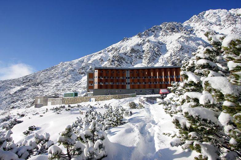 Hotel w słowackich Tatrach odcięty przez lawinę. Ewakuacja gości