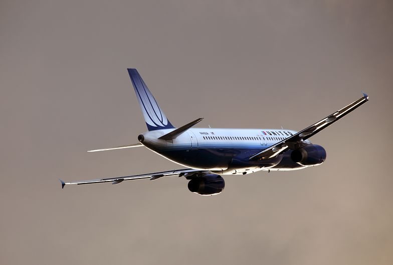 Samolot airbus A320 United Airlines
