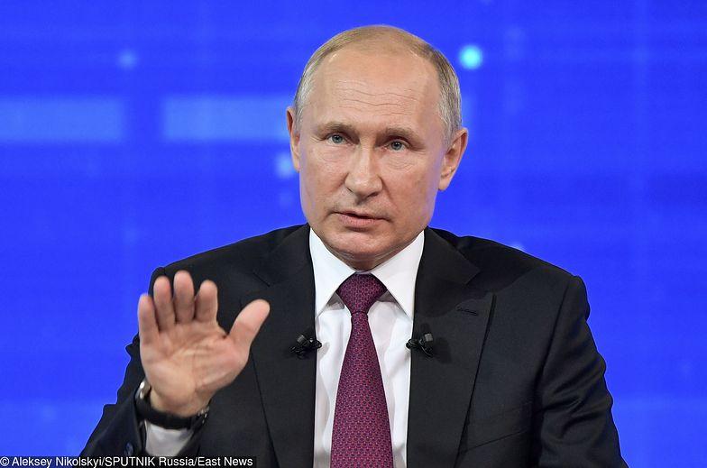Władimir Putin (prezydent Federacji Rosyjskiej) wydał w piątek dekret
