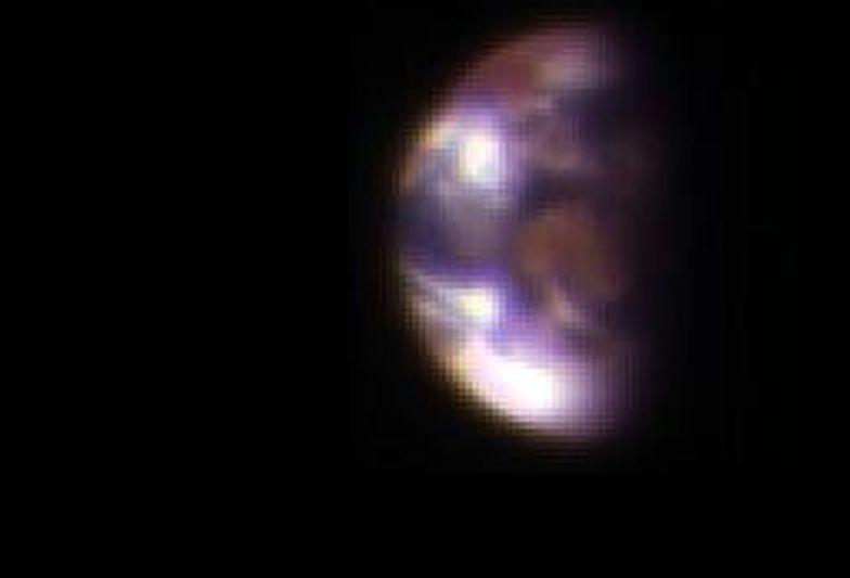 Niezwykłe zdjęcie Ziemi i Księżyca widzianych z Marsa