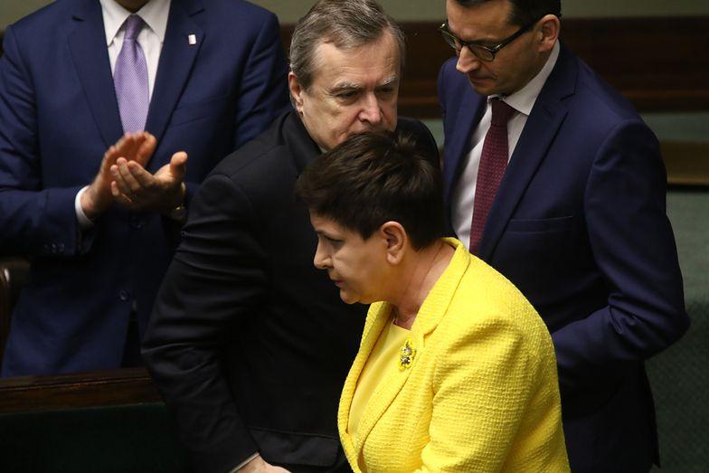 Premier Beata Szydło i wicepremierzy: Piotr Gliński i Mateusz Morawiecki podczas posiedzenia, na którym Sejm rozpatrywał wniosek o odwołanie Beaty Szydło