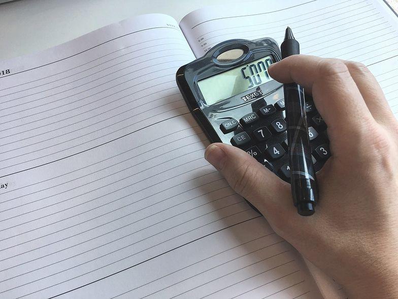 Rodzaj umowy jest istotnym czynnikiem, który wpływa na korzystanie z kalkulatora zarobków