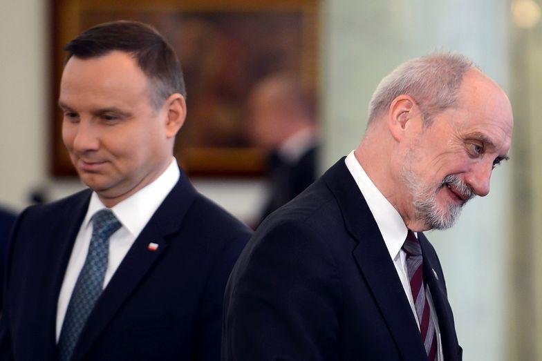 Prezydent Andrzej Duda i minister obrony Antoni Macierewicz.