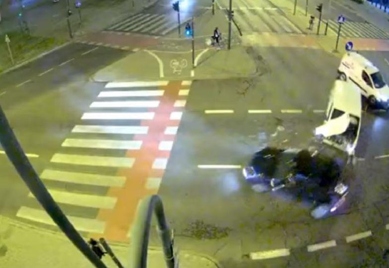 Kraków. Auto wjechało na czerwonym. Śmierć na skrzyżowaniu