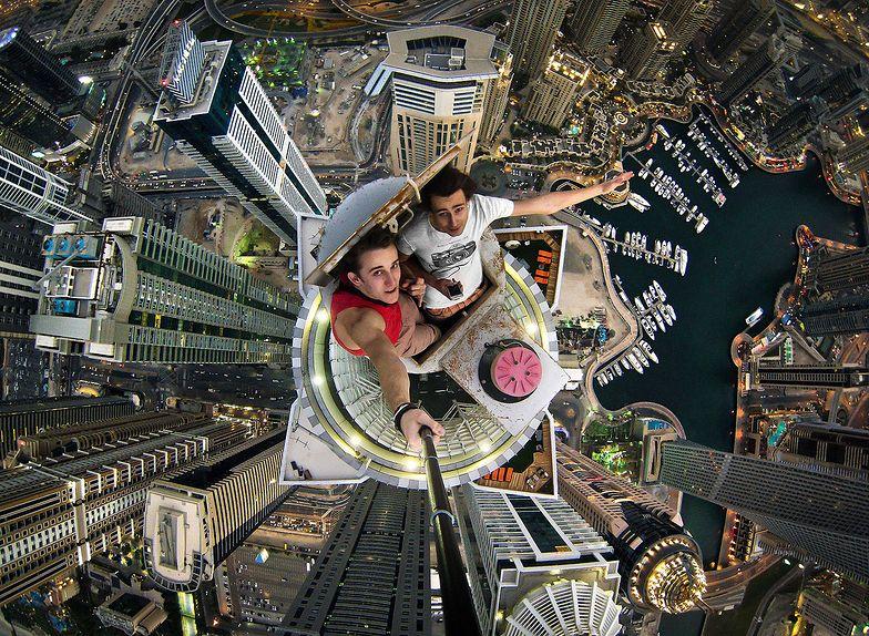 Selfie w Dubaju na wysokościach