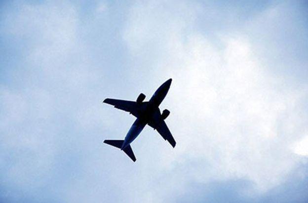 Samolot zmuszony do powrotu na lotnisko. Jeden z pasażerów szturmował kokpit