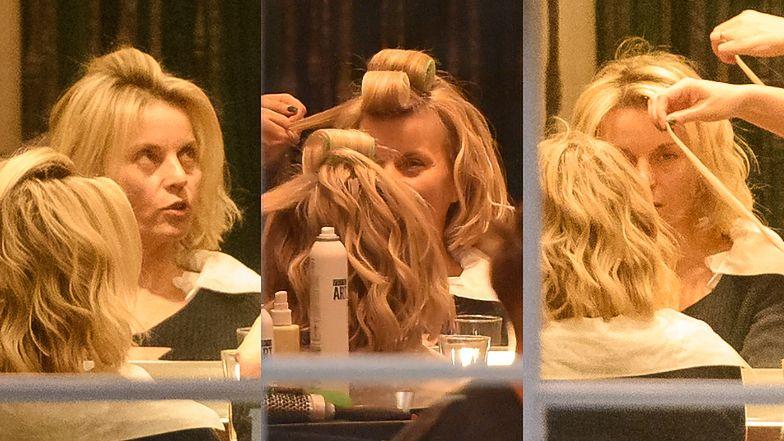 Małgorzata Foremniak z wałkami na głowie robi się na bóstwo u fryzjera