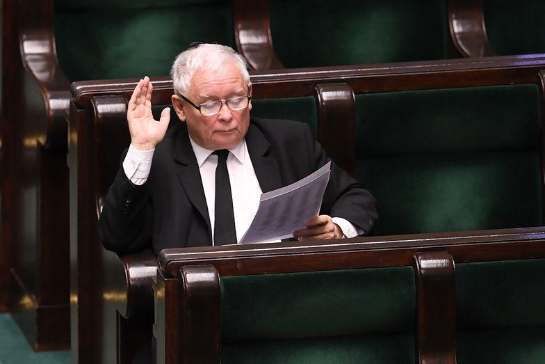 Posiedzenie Sejmu. Posłowie przyjęli ustawę dot. walki z COVID-19