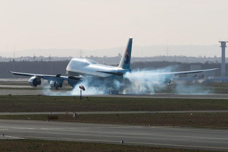 samolot niemcy frankfurt lotnisko