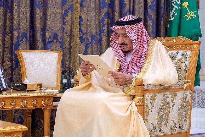 Król Arabii Saudyjskiej został poddany izolacji, a około 150 członków rodziny królewskiej jest zarażonych koronawirusem.