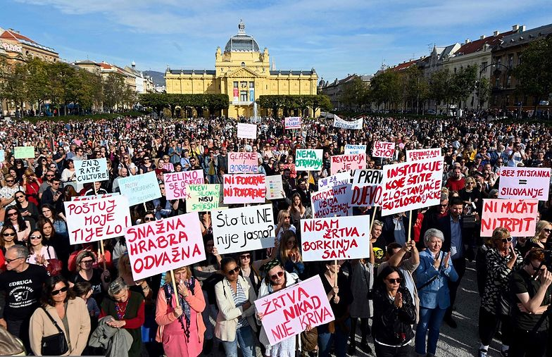 Tysiące Chorwatów wyszły na ulice, domagając się sprawiedliwości dla ofiar przemocy seksualnej.