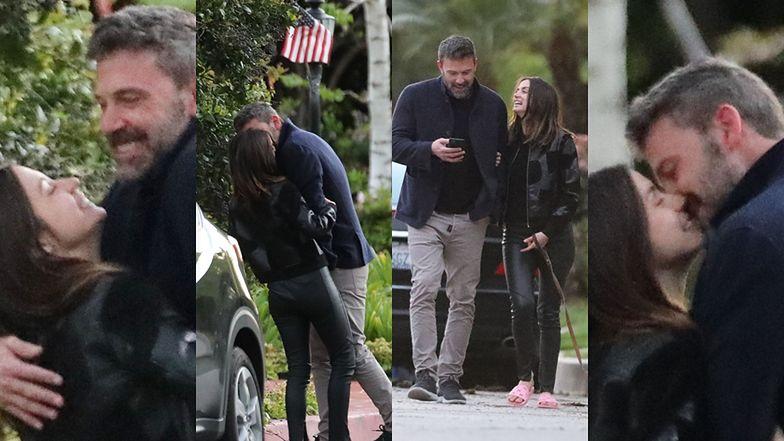 Zakochany Ben Affleck obcałowuje nową dziewczynę na środku ulicy i stroi dziwne miny (ZDJĘCIA)
