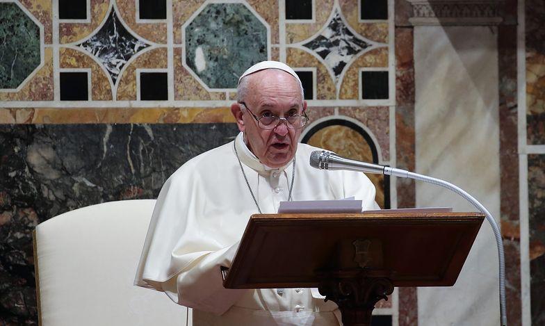 """Papież Franciszek nie przebierał w słowach. """"Schizofrenia księży"""""""