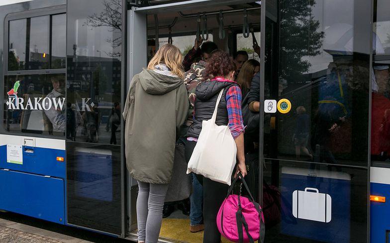Wiemy, co wnerwia Polaków w autobusach. Smród wcale nie na pierwszym miejscu