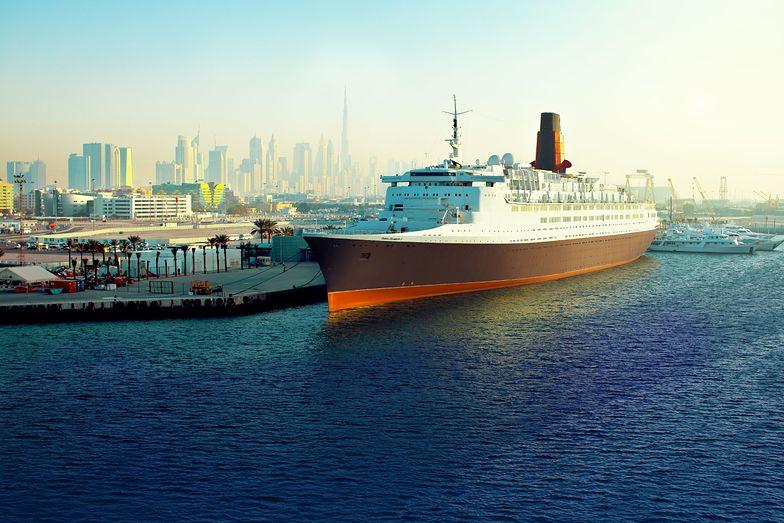 Queen Elizabeth 2. Trzynaście pokładów